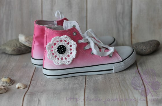 converse-style-crochet-flower-tutorial violet finished.fw jane burns