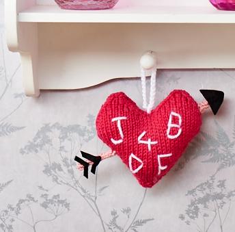 jane burns love heart knitted