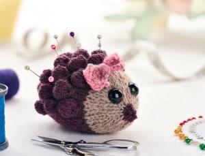 Harriet_the_Hedgehog_1_medium2 knit pin cushion jane burns